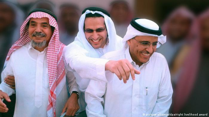 Premio Nobel Alternativo a Abdullah al-Hamid, Walid Abu al-Chair y Mohammed Fahad al-Kahtani, por lucha por los derechos fundamentales en Arabia Saudí.