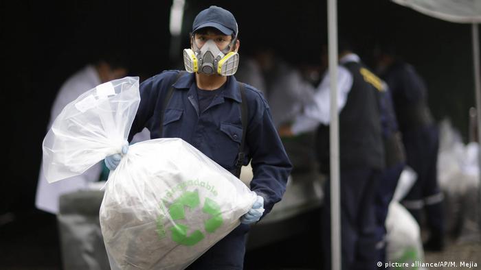 Drogenkrieg in Peru - Polizeirazzia (picture alliance/AP/M. Mejia)