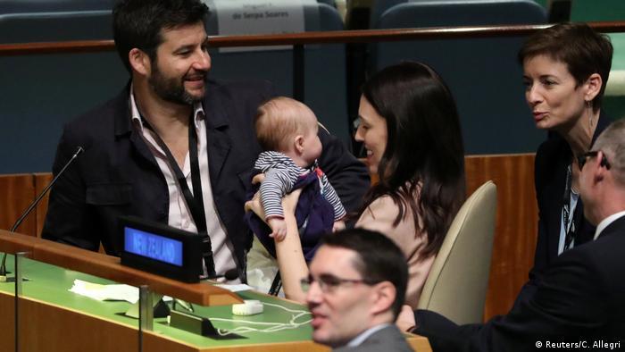 USA Jacinda Ardern und Clarke Gayford mit Kind in der UN-Vollversammlung
