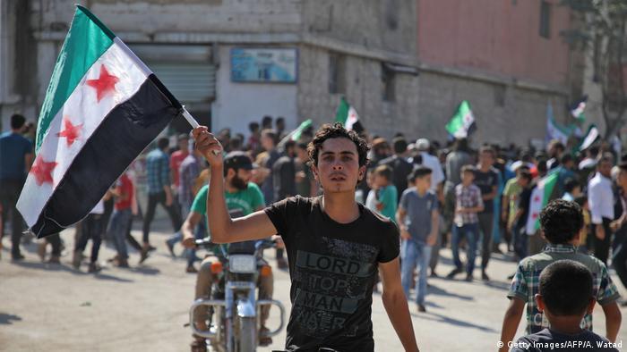 Syrien Protest gegen die Regierung (Getty Images/AFP/A. Watad)