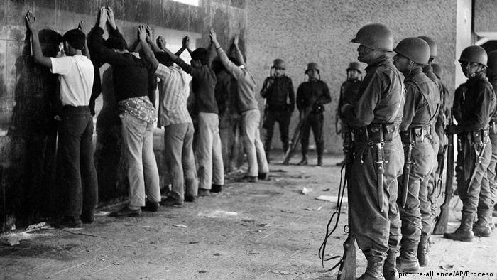 Imagen de la masacre de Tlatelolco, en la Ciudad de México. (1968).