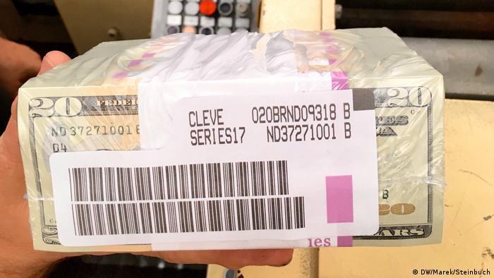 Fertig zur Auslieferung: Eingeschweißte 20-Dollar-Noten