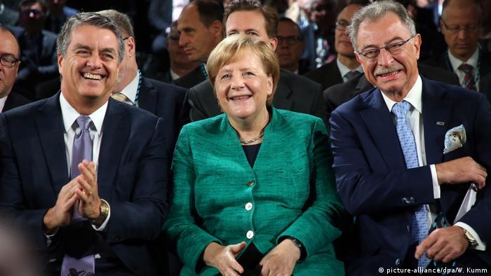 Angela Merkel at business leaders conference