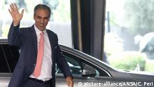 Marcello Foa trifft am 8. August 2018 in den Rai-Büros in der Viale Mazzini in Rom ein. Marcello Foa arriva nella sede Rai di Viale Mazzini a Roma per il Consiglio di Amministrazione, 8 agosto 2018. ANSA/CLAUDIO PERI |
