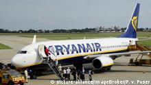 Slowakei Flugzeug der Billigflug-Gesellschaft Ryanair | Flughafen von Bratislava