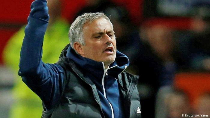 UK Manchester United blamiert sich im Ligapokal   Jose Mourinho