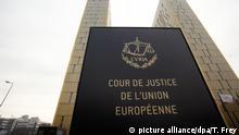ARCHIV - Das Foto vom 26.01.2012 zeigt die beiden Türme des Europäischen Gerichtshofs (EuGH) in Luxemburg. EuGH urteilt am 26.07.2017 über die Rechtmäßigkeit der Aufnahme der radikalislamischen Hamas in die EU-Terrorliste. Außerdem werden EuGH-Urteile zum EU-Asylrecht erwartet. Foto: Thomas Frey/dpa +++(c) dpa - Bildfunk+++ | Verwendung weltweit