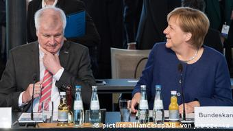 Seehofer (picture-alliance/dpa/B. von Jutrczenka)