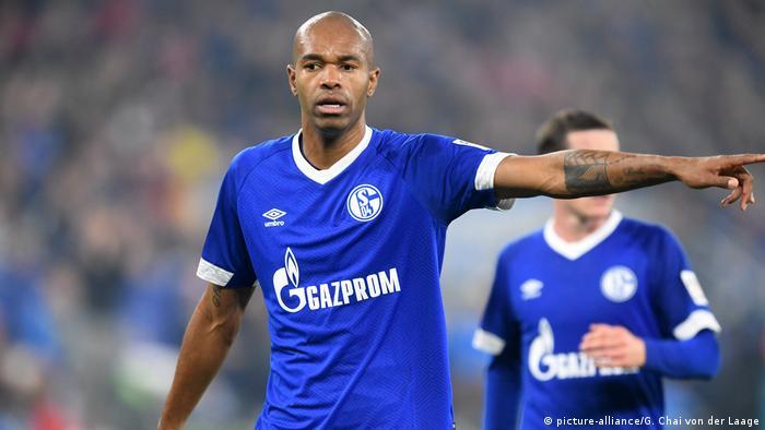 Fussball Bundesliga - FC Schalke 04 - FC Bayern München 0:2 - Naldo