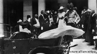 ولیعهد اتریش و همسرش در سارایووا هدف تیراندازی قرار گرفتند