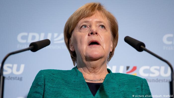 Unionsfraktion im Bundestag, Bundeskanzlerin Angela Merkel (CDU) und Volker Kauder (CDU) (picture alliance/dpa/K. Nietfeld)