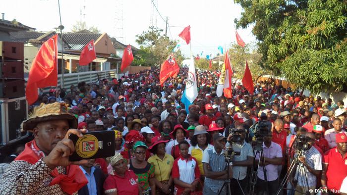 FRELIMO Anhänger (DW/M. Muéia)