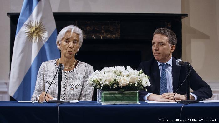 La directora gerente del FMI, Christine Lagarde, y el ministro de Hacienda argentino, Nicolás Dujovne, en una conferencia de prensa en Nueva York, Estados Unidos (26.09.2018).