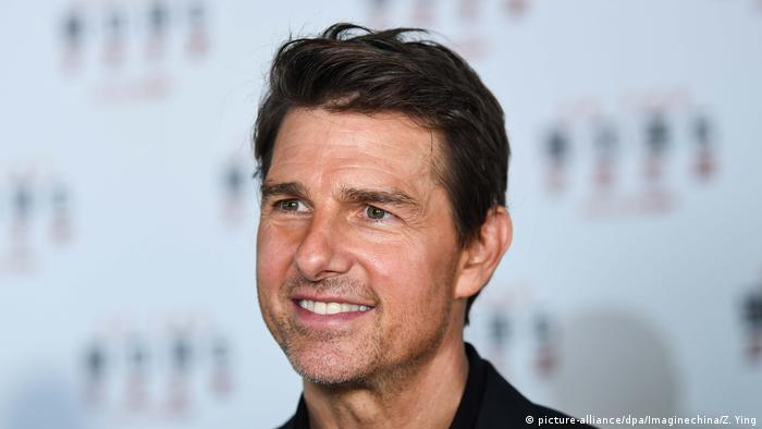 Picture of a smiling Tom Cruise