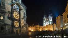Prager Orloj astronomische Uhr Altstädter Rathaus Prag Tschechien (picture-alliance/dpa/G. Lenz)