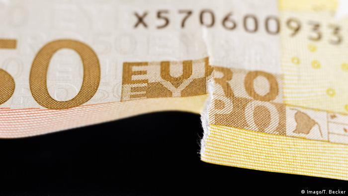 Beschädigte Banknoten (Imago/T. Becker)