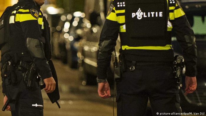 Niederlande Polizei (picture-alliance/dpa/M. Van Dijl)