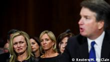 27.09.2018+++ Laura Cox Kaplan tears up while seating behind Judge Brett M. Kavanaugh, at a Senate Judiciary Committee hearing on Capitol Hill in Washington, DC, U.S., September 27, 2018. Matt McClain/Pool via REUTERS