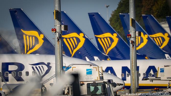 Belgien Flugzeuge Ryanair auf dem Flughafen Charleroi (picture-alliance/dpa/Bela/V. Lefour)