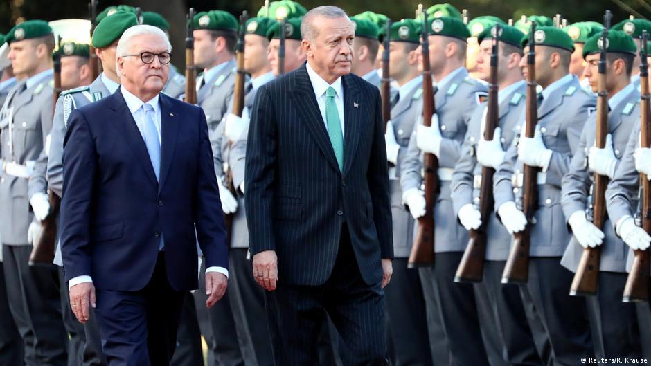Почему Эрдогана принимают в Берлине по высшему разряду, а Путина — нет