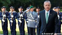 28.09.2018 *** German President Frank-Walter Steinmeier and his Turkish counterpart Tayyip Erdogan inspect honour guards at the Bellevue palace in Berlin, Germany, September 28, 2018. REUTERS/Fabrizio Bensch