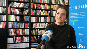 Hana Stojic, Traduki Projektleiterin im DW Interview