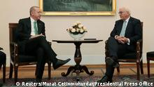 28.09.2018 *** Turkish President Tayyip Erdogan meets with his German counterpart Frank-Walter Steinmeier at the Bellevue palace in Berlin, Germany, September 28, 2018. Murat Cetinmuhurdar/Presidential Press Office/Handout via REUTERS ATTENTION EDITORS - THIS PICTURE WAS PROVIDED BY A THIRD PARTY. NO RESALES. NO ARCHIVE.