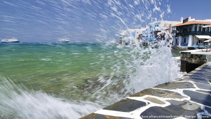 Griechenland Hafenpromenade auf Mykonos