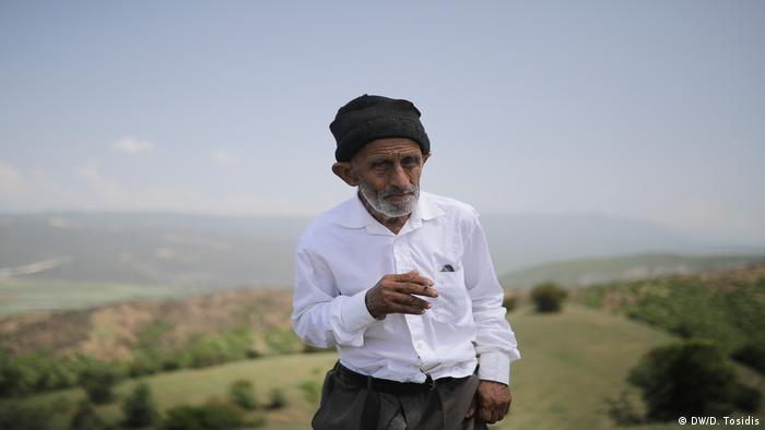 An elderly muslim man of Macedonia's Turkish ethnic minority near the muslim village of Kazan Dol, southeastern Macedonia. (DW/D. Tosidis)