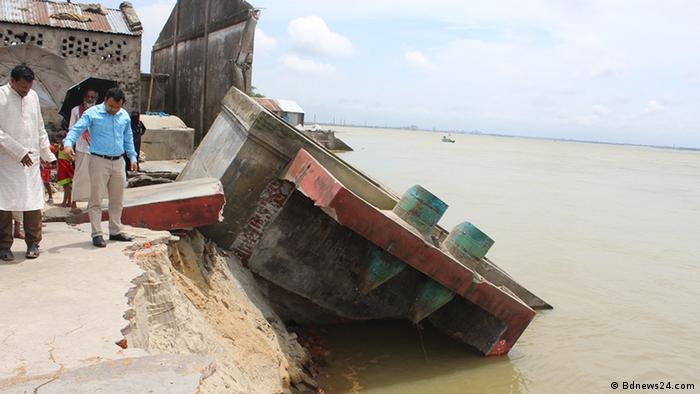 Bangladesch Ufer Erosionen im Brahmanbaria Bezirk