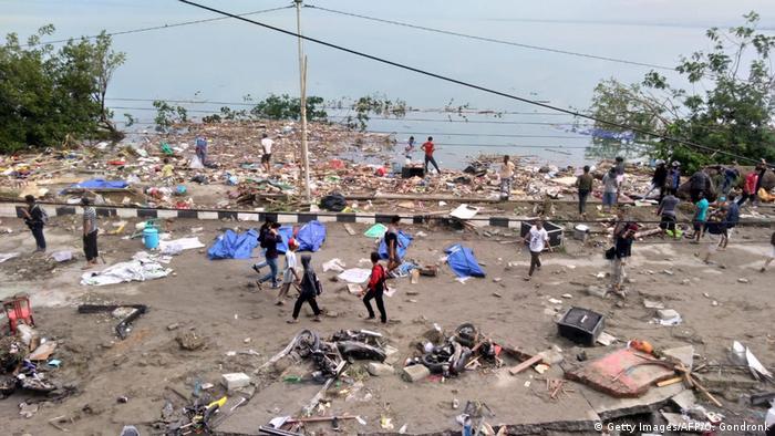 Indonesien Nach dem Erdbeben und dem Tsunami in Palu, Central Sulawesi (Getty Images/AFP/O. Gondronk)