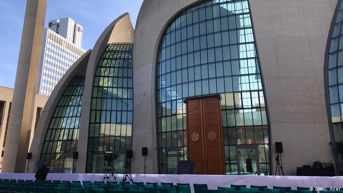Moschee-Eröffnung in Köln (DW/G. Acer)