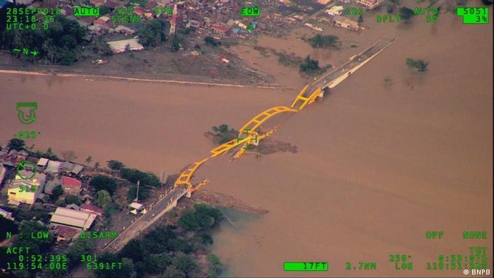 Indonesien nach dem Tsunami in Palu von oben