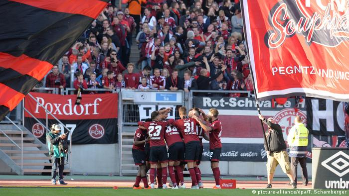 Nuremberg recovered to beat Düsseldorf | Jubel (picture-alliance/dpa/T. Schamberger)