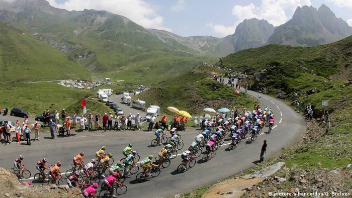 Spanien Tour de France 2006 Val-d'Aran (picture-alliance/dpa/G. Breloer)