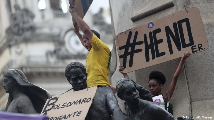 Brasilien - Demonstrationen gegen Bolsonaro (Reuters/R. Moraes)