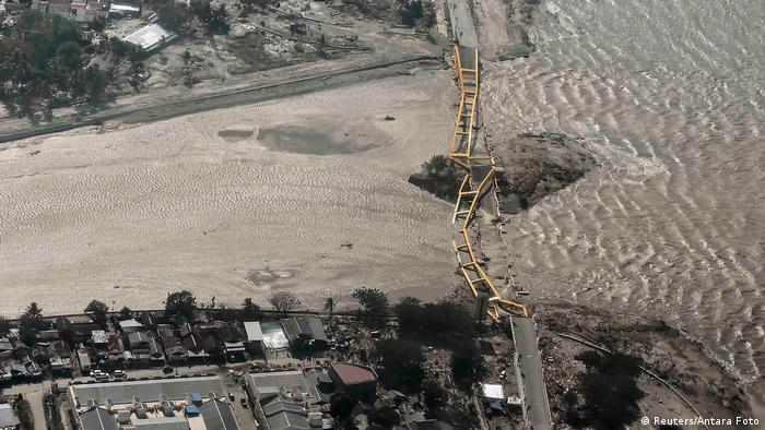 BdTDIndonesien nach dem Tsunami in Palu (Reuters/Antara Foto)