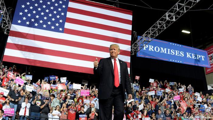Donald Trump nazywa media wrogami
