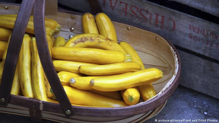 Golden zucchini (picture-alliance/Food and Drink Photos)