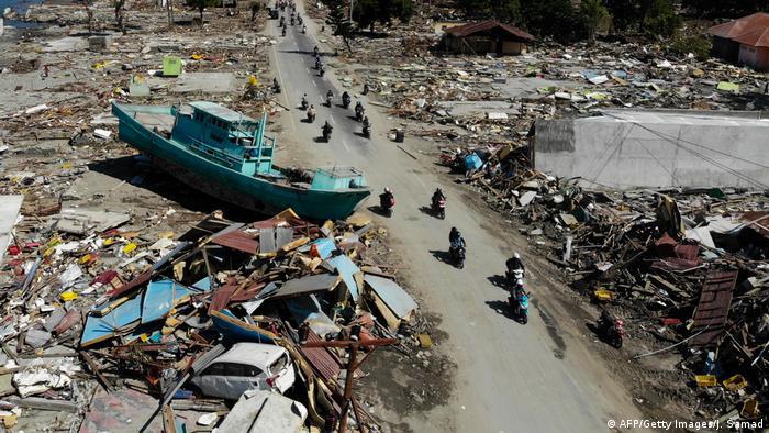 Erdbeben und Tsunami in Indonesien (AFP/Getty Images/J. Samad)
