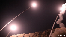 Stichwörter: Iran, Ahvaz, Sepah Pasdarab Beschreibung: Iranian state media say the country's Revolutionary Guard has fired missiles into eastern Syria in response to a recent attack on a military parade in Ahvaz.