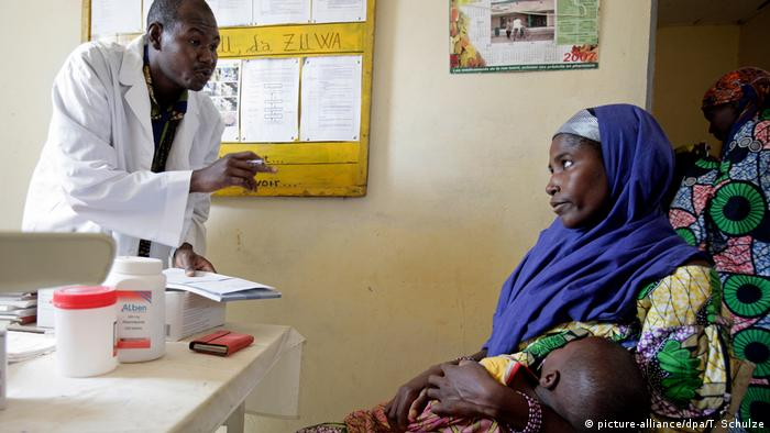 Health station in Garin Goulbi, Niger (picture-alliance/dpa/T. Schulze)