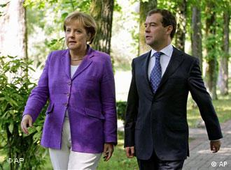 Russian President Dmitry Medvedev and German Chancellor Angela Merkel