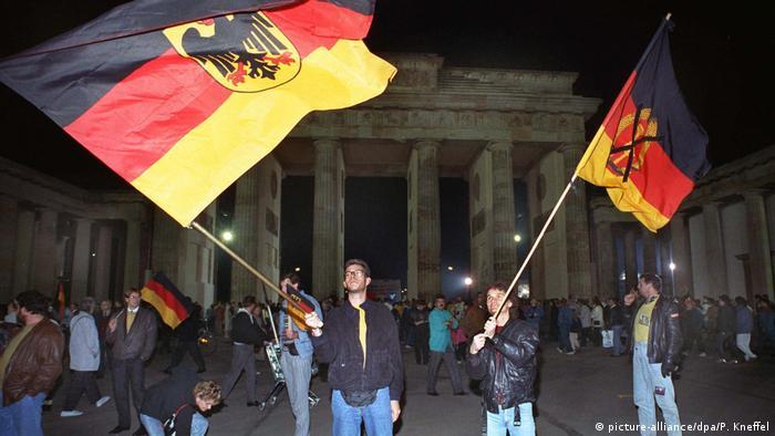 В ночь со 2 на 3 октября возле Бранденбургских ворот