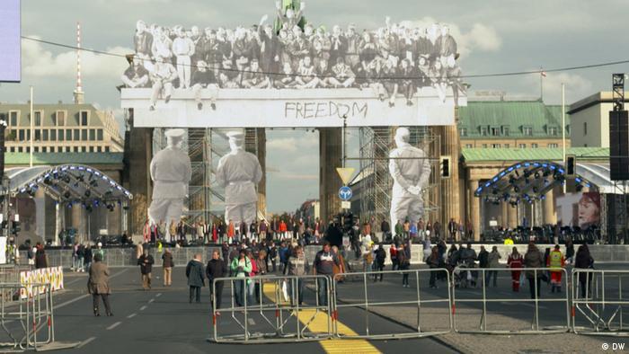 DW Euromaxx, Streetart zum Tag der Deutschen Einheit