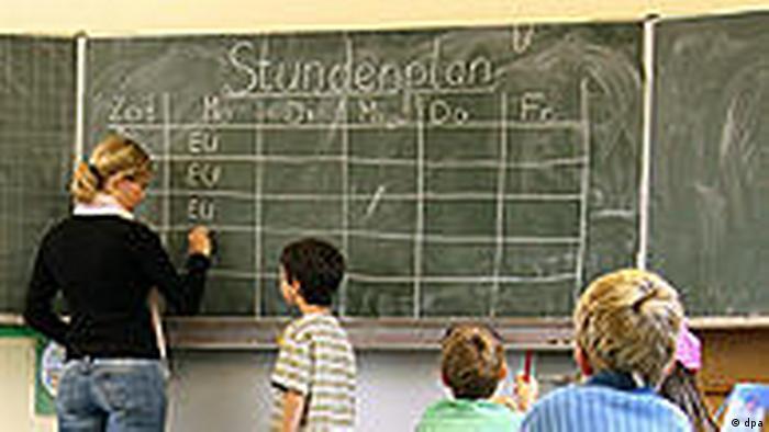 Symbolbild Lehrermangel Unterricht Schulen Deutschland (dpa)
