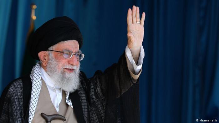Ali Khamenei, Irans Religionsführer in Azadi-Stadion