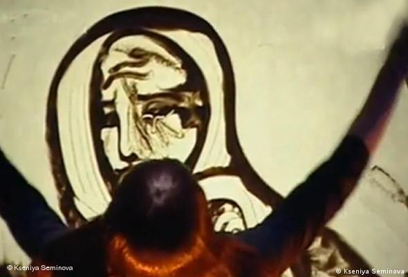 دستان هنرمند: رسانهای برای انتقال مستقیم تخیل و سیر آن بر صفحهی شیشهای