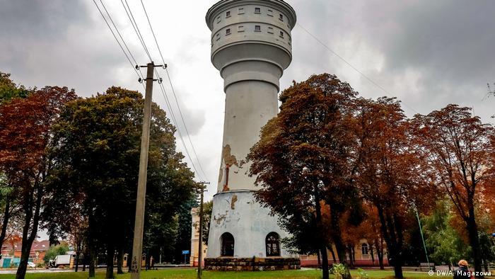 Водонапірну вежу в Глухові деякі місцеві жителі жартома називають Ейфелева вежа