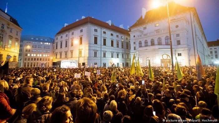 Österreich Demonstration gegen die Bundesregierung in Wien